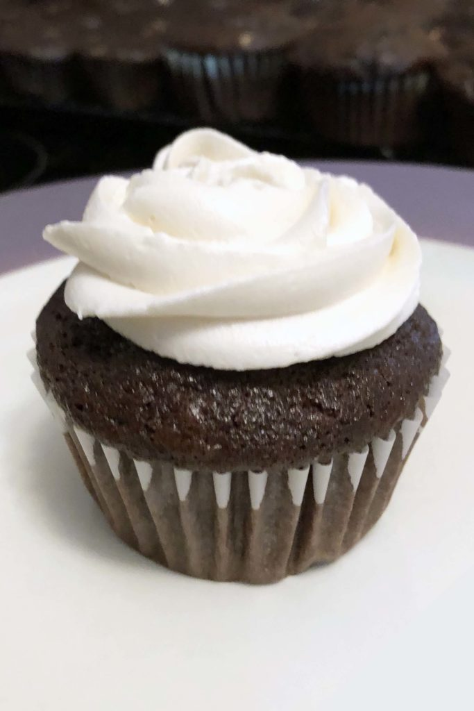 best mocha cupcake recipe chocolate espresso buttercream frosting how to pipe piping bag easy cupcakes