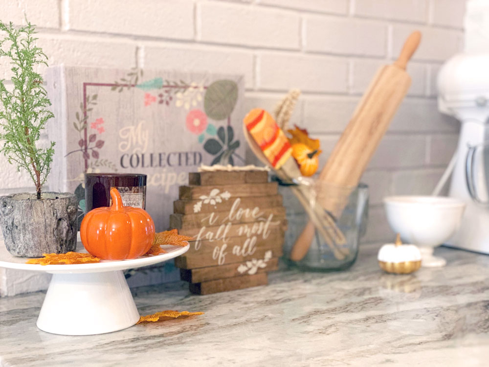 HapBudget Fall Decorating Ideas #fall #cheap #budget #decor