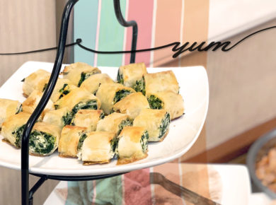 Spinach Feta Phyllo Rolls, an easy and quick appetizer recipe.