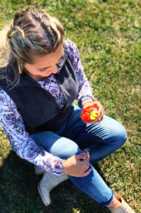 Fall outfit and fall flower cupcakes!