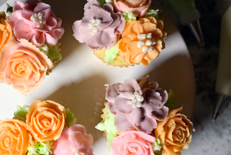 buttercream flower cupcakes decorating tutorial